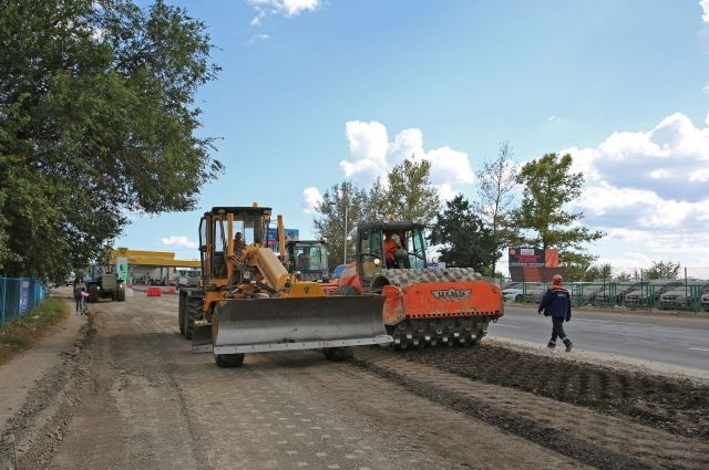 Руководитель Крыма установил «четверку» заремонт дорог вСимферополе