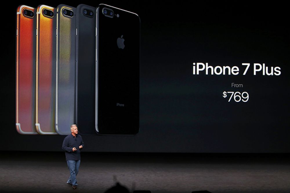 Что касается iPhone 7 Рlus, то он имеет две камеры по 12 мегапикселей.