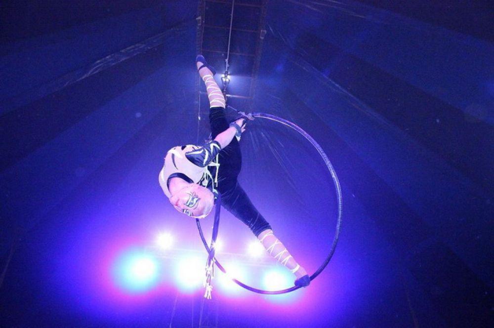 Воздушная гимнастка.
