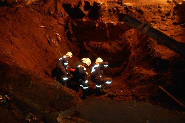 ВНабережных Челнах двое рабочих оказались живьем погребены под землей