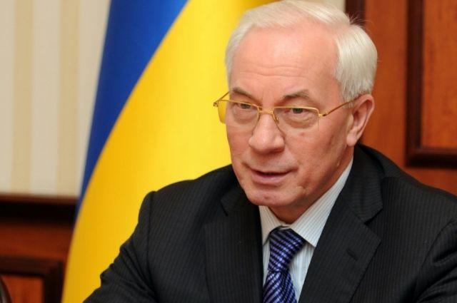 Азаров снова попал под санкции США