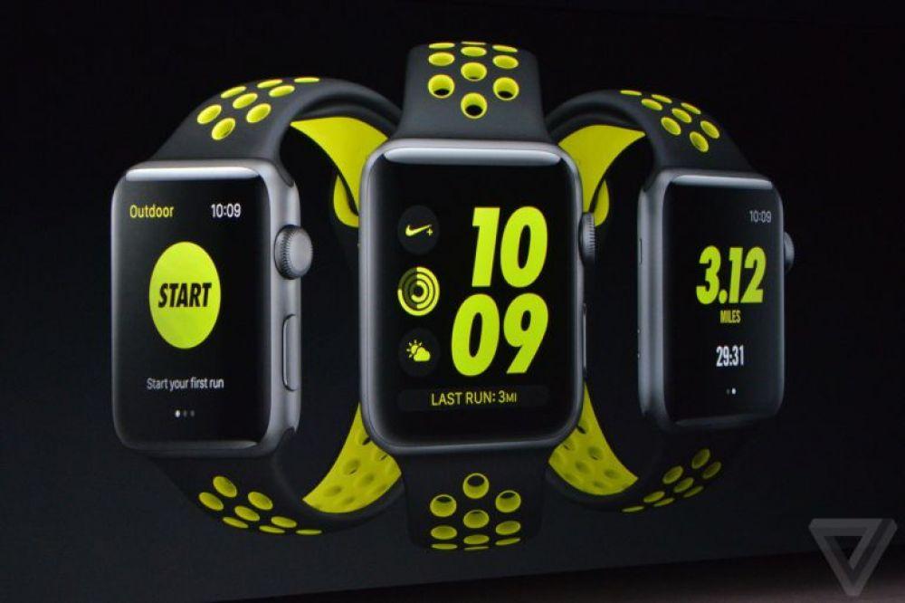 Новые часы выйдут в трех версиях: алюминиевой, стальной и керамической. Ремешки для них презентовала компания Nike, они будут представлены в четырех цветах.Также, в Apple Watch 2 встроен GPS-модуль. Ответы на сообщения можно писать побуквенно прямо на маленьком экране.Цена гаджета стартует от 369 долларов