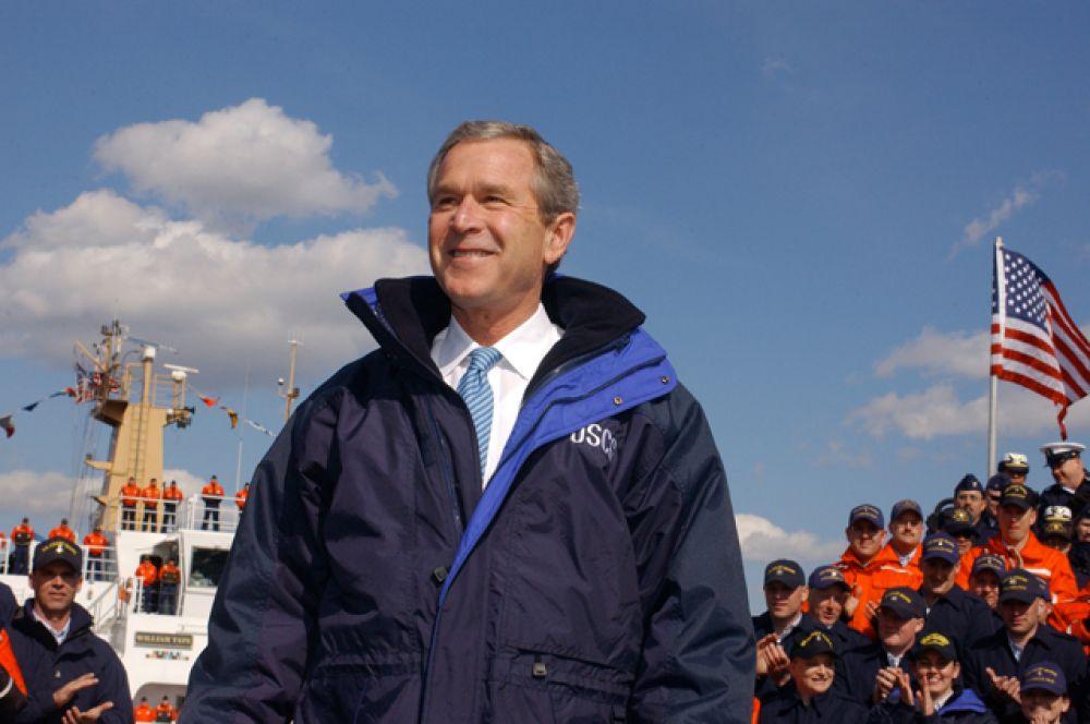 Джордж Буш-младший в 1973-1975 учился в Гарвардской школе бизнеса, где получил степень магистра делового администрирования.