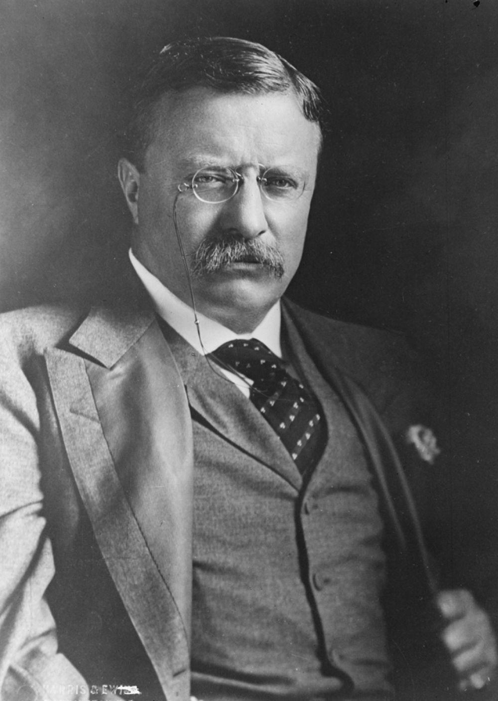 26-й президент США Теодор Рузвельт окончил Гарвард в 1880 году.