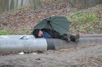 Скоро холода, и бездомным на улице уже не прожить.