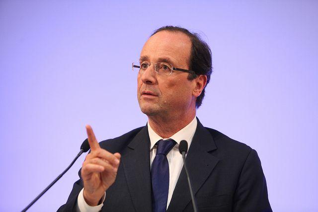 Олланд выступил против запрета буркини ихиджаба