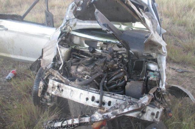 ВЕйском районе вперевернувшейся иномарке умер шофёр