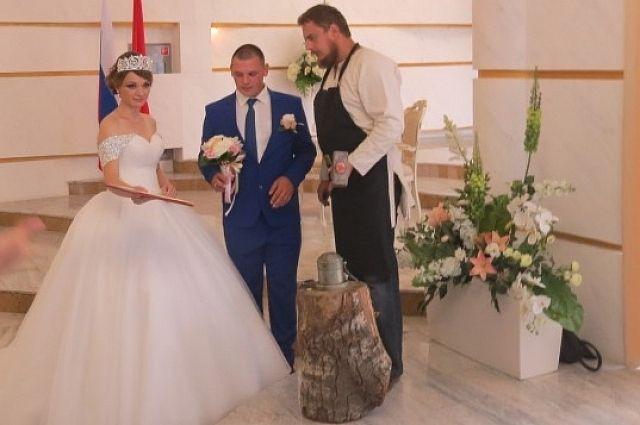Около 100 пар поженятся вДень города вТуле