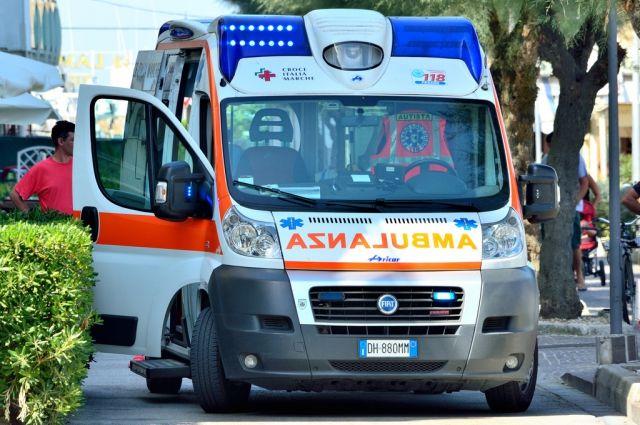 Фиат протаранил толпу впроцессе ночных гуляний наСардинии: десятки пострадавших