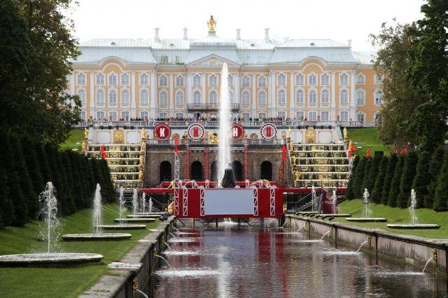 Праздник фонтанов вПетергофе посвятят истории русского кино