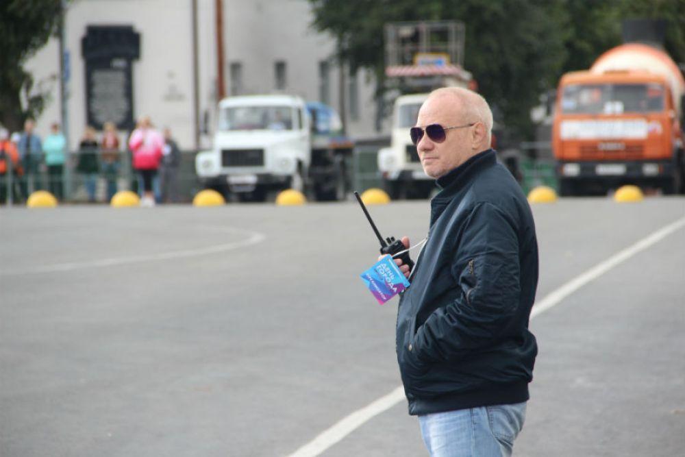 """Режиссёр шоу """"Городская сюита"""" готовится дать старт танцу """"железных балерин"""""""