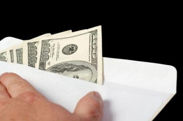 Таможенник споста «Бачевск» погорел навзятке в400 долларов