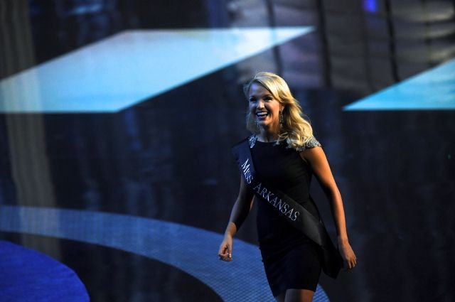 «Мисс Америка 2017» призвала Трампа иКлинтон быть осторожнее