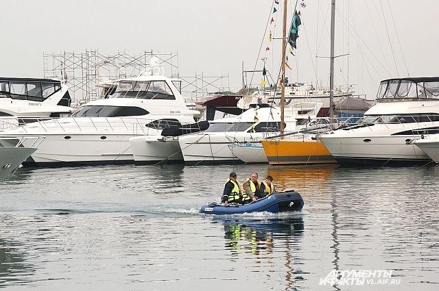 Яхту за 300 тыс. руб. угнали вцентре Петербурга