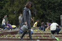 Мишель Обама разбила огород устен Белого дома.