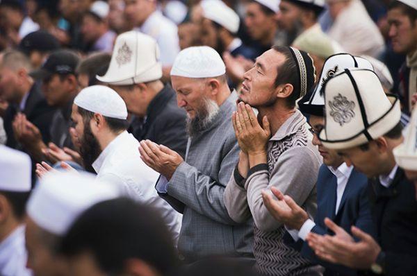 На языке Корана праздник называется «Ид аль-Адха», что можно перевести с арабского как «праздник жертвоприношения».