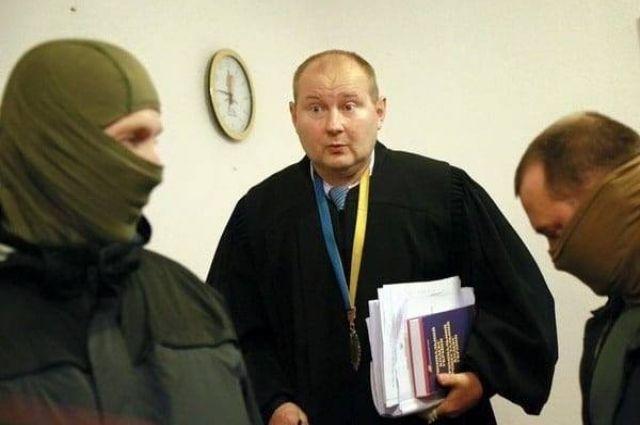 Соломенский суд позволил задержать судью Чауса