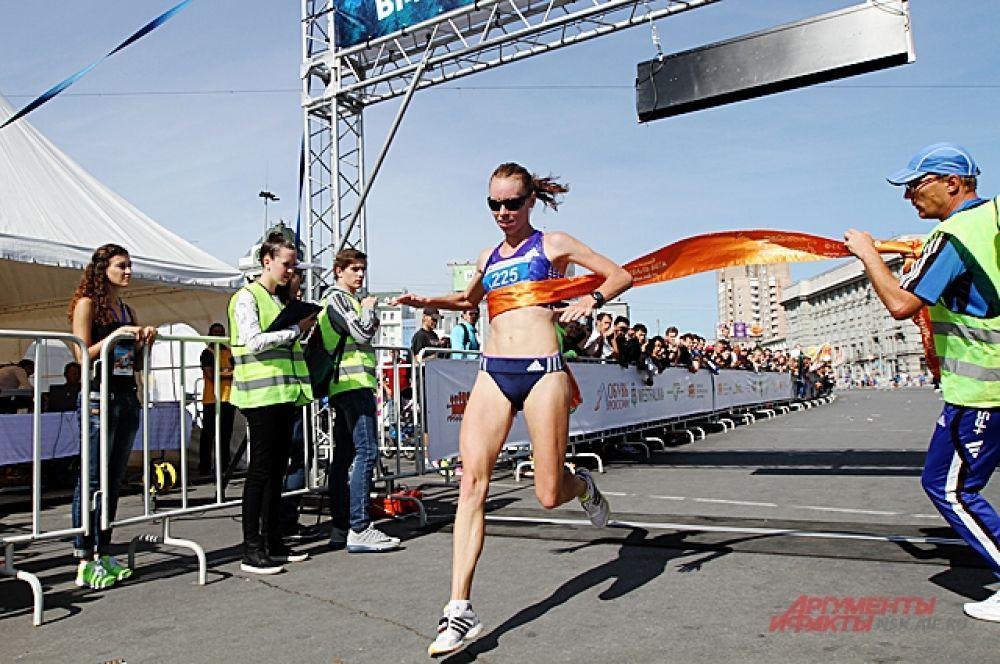 Среди женщин победила Елена Седова.