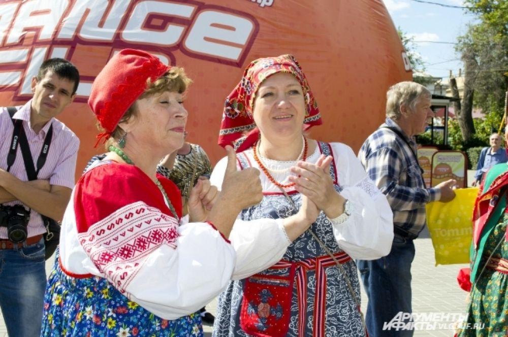 На фестивале национальных культур волгоградцы смогли угоститься пловом.