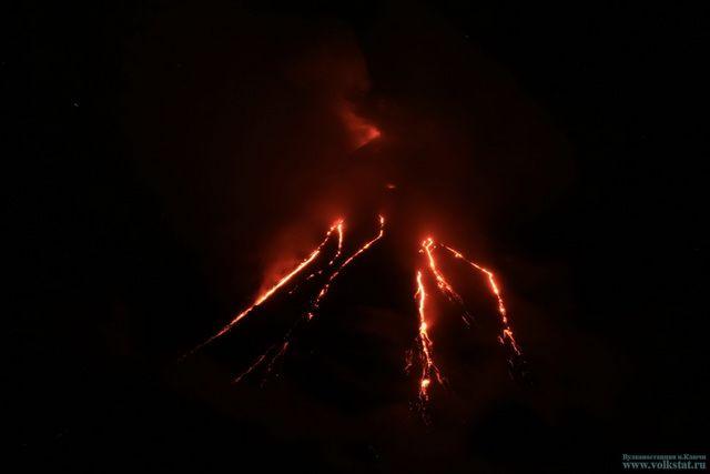 Накамчатском Ключевском вулкане появились новые потоки лавы
