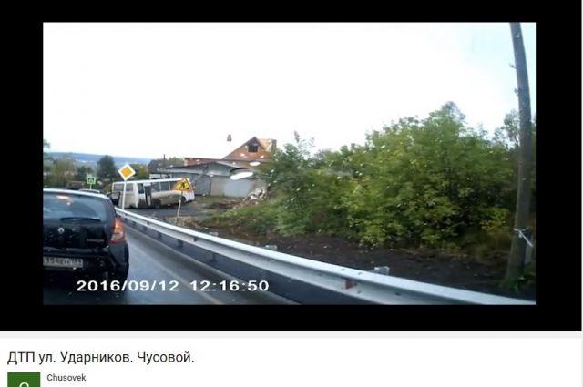 Рейсовый автобус без тормозов протаранил дом вПрикамье