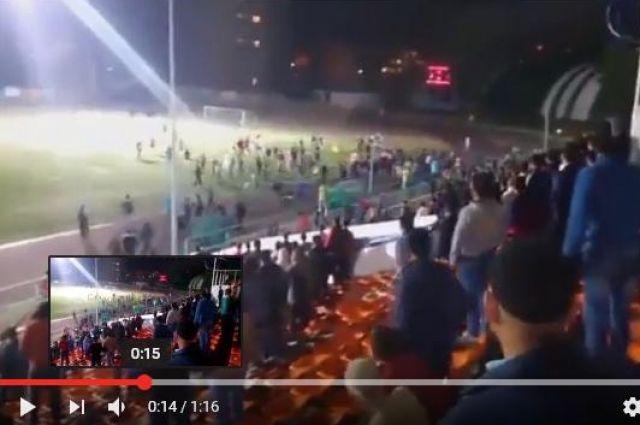 Потасовкой футболистов иболельщиков завершился финал Кубка Содружества вБратске