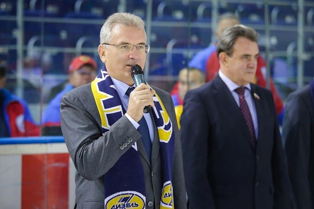 Перед началом матча губернатор Пензенской области поздравил игроков и болельщиков с началом чемпионата и пожелал «Дизелю» удачи и победы.