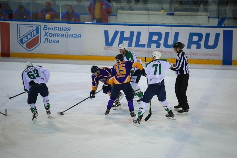 Георгий Бусаров принес победу «Дизелю» в первом домашнем матче чемпионата ВХЛ.