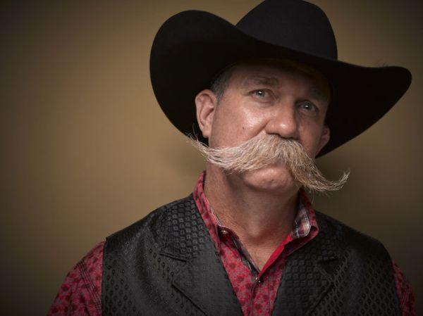 Этот участник похож на какого-нибудь шерифа из Дикого Запада