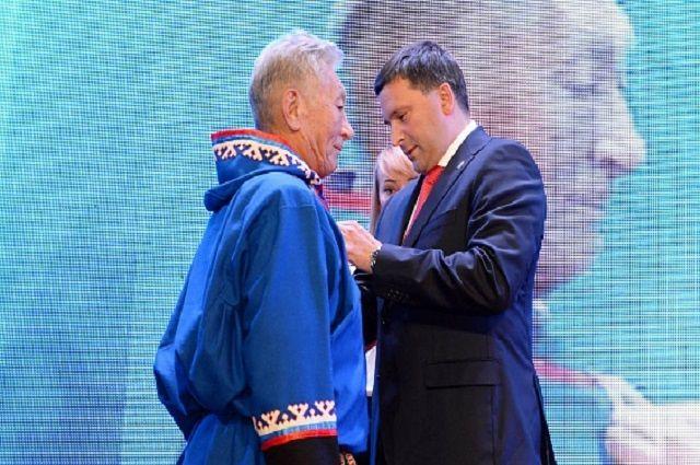 Губернатор Кобылкин стал почетным гражданином Ямальского района