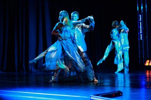 Сегодня «Меридианы Тихого» открывают красивыми спектаклями.