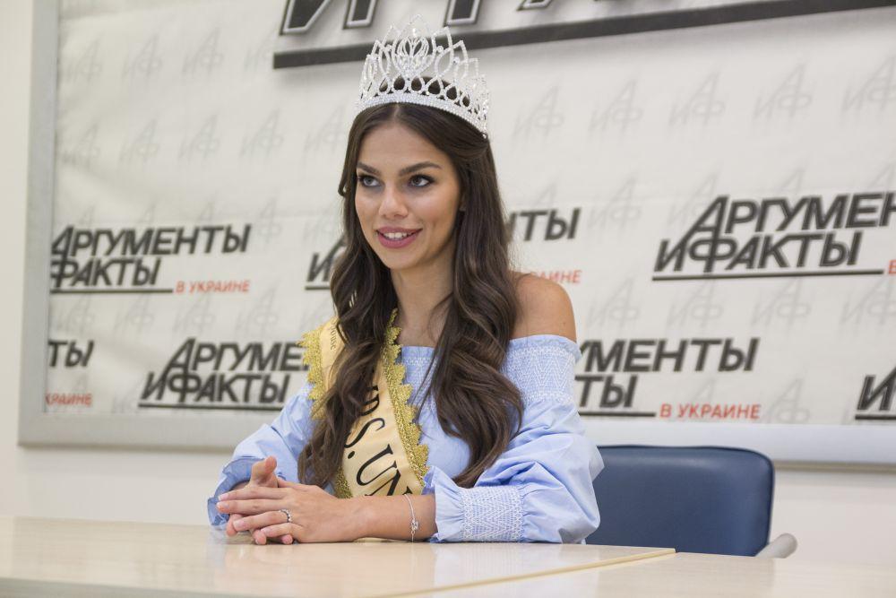 Кроме того, Ольга упомянула, что пробиться на такой конкурс от Украины было бы сложнее из-за сложностей с договоренностями и правилами