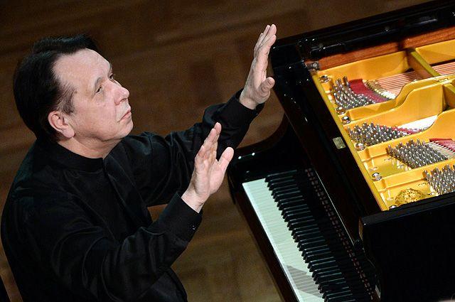 Михаил Плетнев.