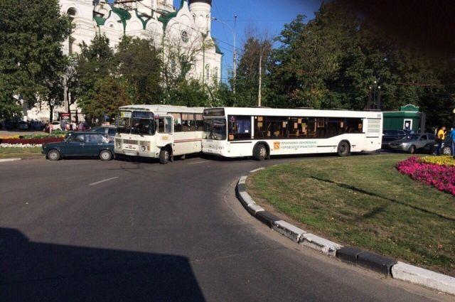 Количество ДТП, совершенных повине тюменских водителей автобусов, возросло вдвое