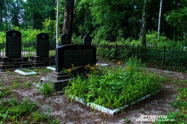 Труп пенсионерки отыскали умогилы родственника наБольшеохтинском кладбище