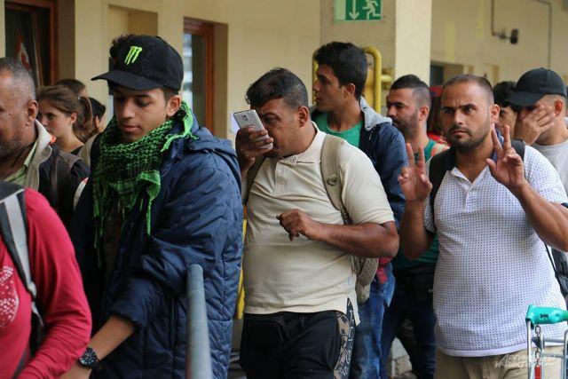 Вгороде навостоке Германии вспыхнули столкновения смигрантами