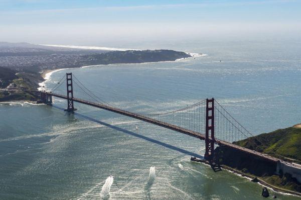 Легендарный мост Золотые Ворота в Сан-Франциско был самым большим висячим мостом в мире с момента открытия в 1937 году и до 1964 года.