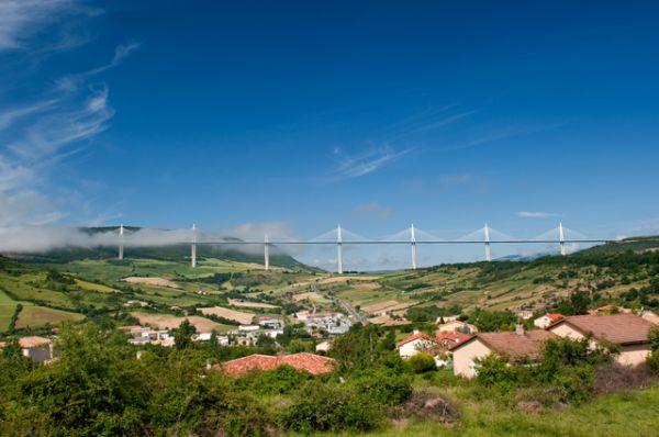 Самым высоким мостом на данный момент является виадук Мийо во Франции. Виадук является последним звеном трассы А75, обеспечивающей высокоскоростное движение из Парижа через Клермон-Ферран к городу Безье.
