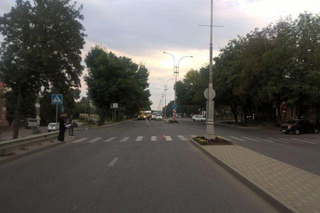 ВПятигорске автомобиль ВАЗ 2107 сбил 15-летнюю школьницу