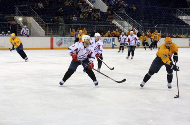 Хоккеисты «Чайки» сминимальным счетом проиграли «СКА-1946» впервом домашнем матче
