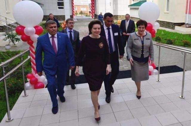 Губернатор Югры участвовала в открытии нового корпуса Междуреченской средней школы.