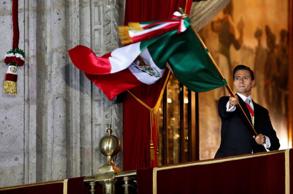 Президент Мексики Энрике Пенья Ньето в день независимости 16 сентября.