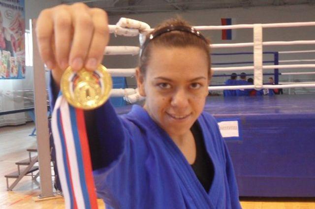 Новая чемпионка России по боксу - Наталья Самохина