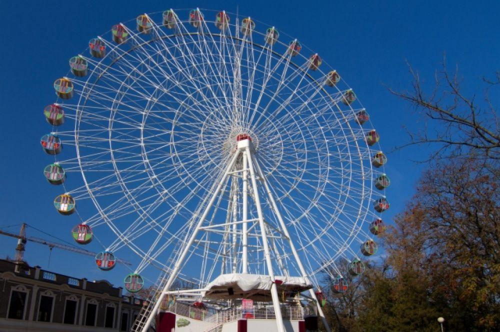 Колесо в парке имени Горького столицы Кубани - Краснодаре имеет высоту 52 метра. Открыто в 2014 году.