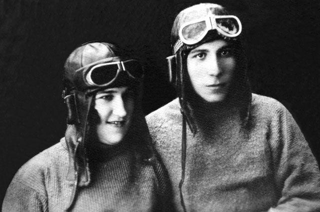 Капитан Николай Матвеев и его жена Полина. Фото из книги «Орлы над Уханем».