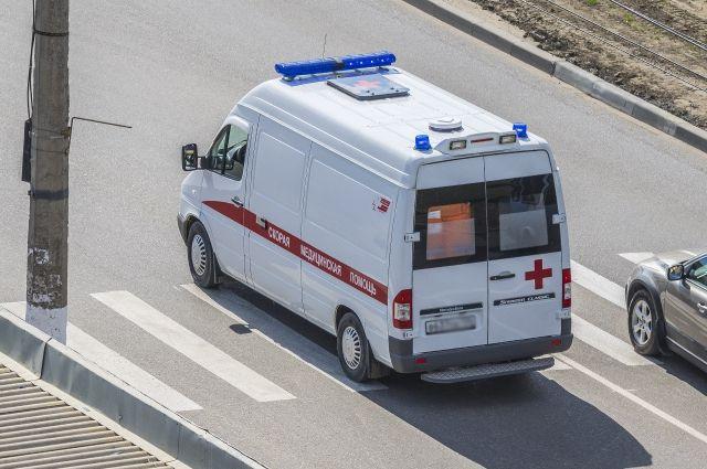 Под Калининском перевернулся микроавтобус ссемью пассажирами