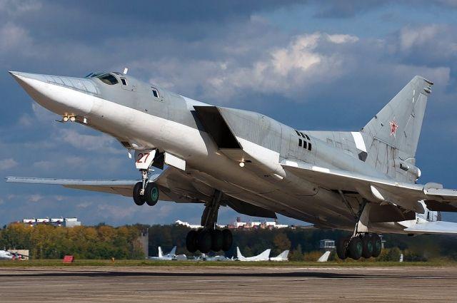 Ядерные бомбардировщики прилетели в Новосибирск