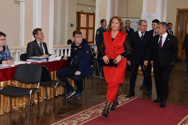 Супруга президента РТ Гульнара Минниханова выглядела очень стильно.