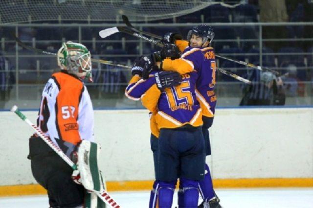 Пензенский «Дизель» завершил победой домашнюю серию игр чемпионата ВХЛ