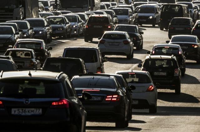 ЮгВолгограда встал втрехкилометровой пробке из-за происшествия надороге